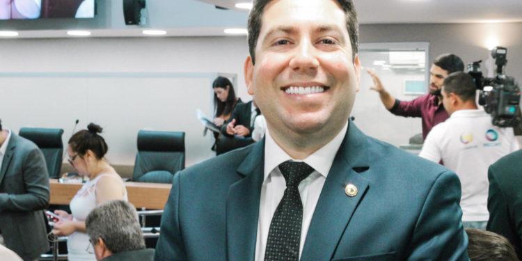 """01072019 felipe leitao 750x375 - VEM FORTE: Felipe Leitão participa de curso para prefeitos em SP e diz que está """"à disposição do DEM para a disputa em JP"""""""