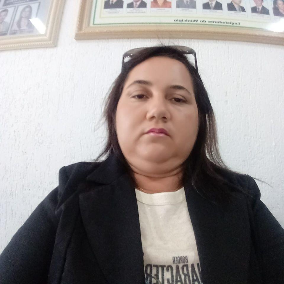 04062020 vereadora - SEM MEDO: Vereadora denuncia pagamento de ''Farra de Pesquisas'' pela prefeitura de São Francisco; VEJA