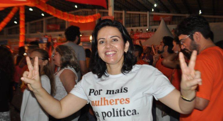 15052019 POLYANA DUTRA - CRISE: Pollyana Dutra vota a favor da convocação de secretário de Saúde para audiência na ALPB e ameça deixar PSB