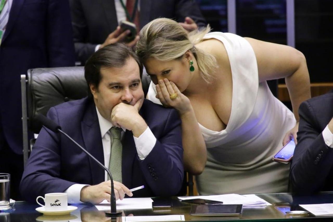 15062020 maia joice Easy Resize.com - Nomeada por Rodrigo Maia, Joice Hasselmann assume a Secretaria de Comunicação da Câmara e já é acusada de perseguir deputados Bolsonaristas