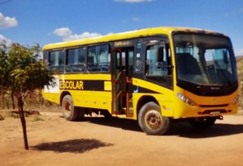 23072019 busao - MAIS DENÚNCIAS: Ônibus escolar do Município de Venha-Ver é flagrado em condições precárias de funcionamento durante transporte de alunos na zona rural