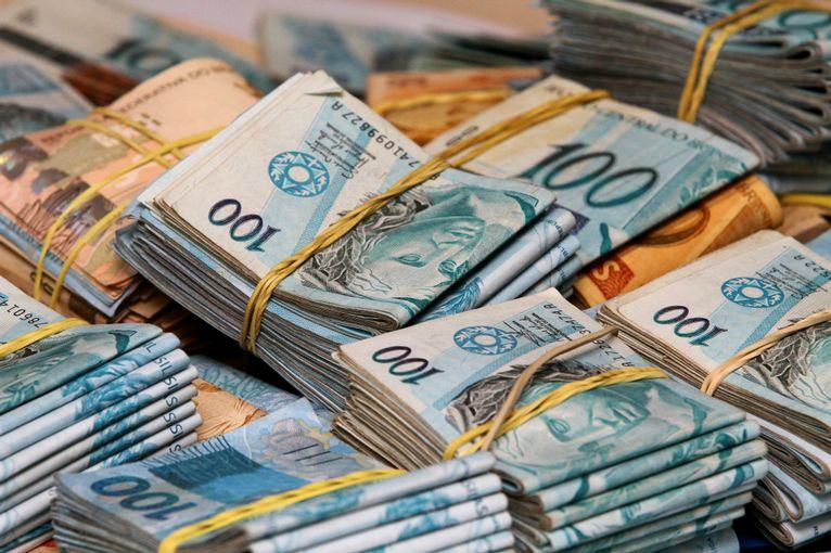 26082019 grana - É MUITO DINHEIRO: Prefeituras pagam mais de R$ 116 mil de salários a prefeitos da região do Vale do Rio do Peixe; CONFIRA.