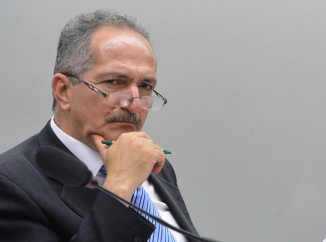 27082019 ALDO - Ex-ministro dos governos Lula e Dilma critica 'bravatas' de presidente francês e repudia proposta de 'internacionalização' da Amazônia