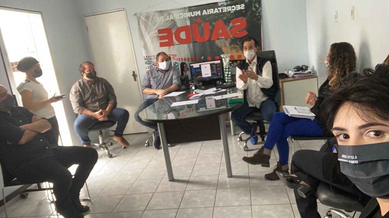 29052020 AF - Adalberto Fulgêncio abre diálogo e gestão municipal promete avaliar proposta que estende gratificação aos demais profissionais de saúde