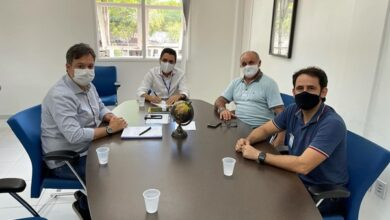 JR E ATHAIDE 390x220 - NA LUTA POR MELHORIAS : Prefeito de Lastro Dr. Athaíde Diniz anuncia apoio ao deputado Júnior Araújo