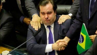 maia 390x220 - TCHAU QUERIDO: Depois de 1.660 dias metade deles sabotando Bolsonaro, Maia deixa comando da Câmara nesta segunda-feira