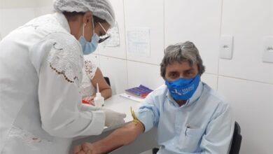 Gilvandro 390x220 - GRANDE EXEMPLO: Prefeito de Belo Jardim busca atendimento em hospital público do município e população parabeniza