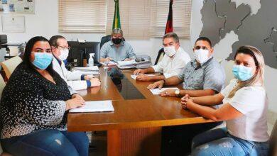 JOAO E JOAO 390x220 - Em audiência com governador, prefeito de Aparecida solicita pavimentação com malha asfáltica e outros investimentos para o município.