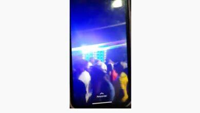 festa aglomeracao 390x220 - Encontro de ''som'' com aglomeração e sem máscara na cidade de Poço Dantas causa revolta na população; VEJA VÍDEO.