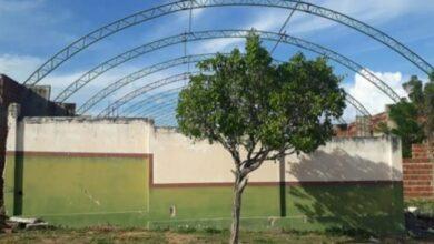 triunfo ginasio 390x220 - A FORÇA DO TRABALHO : Prefeito de Triunfo consegue junto á CAIXA destravamento de obra abandonada pela gestão passada.