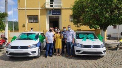 BSF1 390x220 - Prefeito e secretária de Saúde entregam veículos 0 km à população de Bonito de Santa Fé