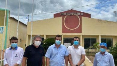 LINDOLFO 390x220 - Deputado Lindolfo Pires visita prefeito de Triunfo Espedito Filho para tratar de pleitos de interesse da população