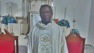 PADRE QUIRINO 390x220 - O AMOR ESTÁ NO AR : Ex-padre da Diocese de Cajazeiras pede orações para encontrar uma mulher para casar