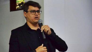 delegado 390x220 - ARCOVERDE: Vice-prefeito homenageia servidoras públicas pelo Dia Internacional da Mulher