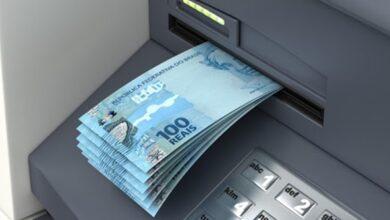 dinheiro na conta 390x220 - Dinheiro na conta: Prefeitura de Vieirópolis antecipa pagamento de servidores e injeta na economia do município