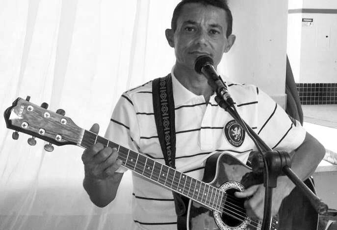 luto ms 687x470 - MAJOR SALES: Prefeitura e Câmara de Vereadores lamentam morte do artista da terra Vanildo Voz e Violão.
