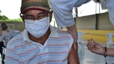 vacina sff 390x220 - Município de São Francisco inicia vacinação em idosos com idade acima de 70 anos