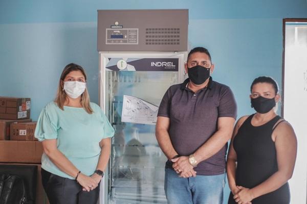 CAMARA FRIA - Prefeitura de Aparecida recebe doação de câmara fria do Governo do Estado para armazenar/conservar doses de vacinas
