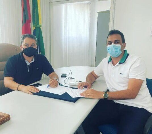 ESPEDITO E EFRAIM 535x470 - PARCERIA : Prefeito Espedito Filho se reúne com o Deputado Federal Efraim Filho para viabilizar recursos para Triunfo
