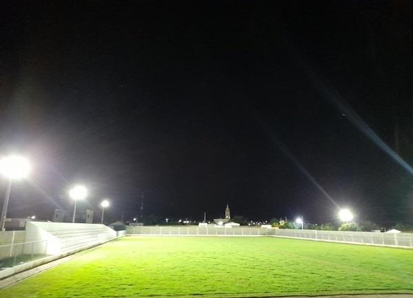ESTADIO LASTRO - LASTRO: Com 95% de obra já concluída, Prefeito Dr. Athaíde visita obra do estádio municipal para avaliar gramado e últimos detalhes para inauguração.