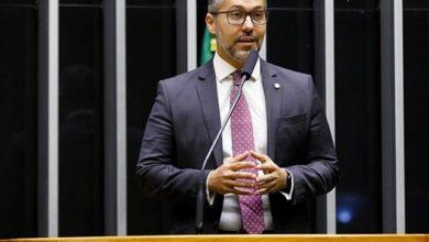 leogadelha 390x220 - Deputado Leonardo Gadelha defende que acorrentamento de animais seja proibido no Brasil