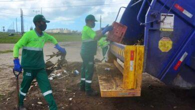 lixo JP 390x220 - NA CAPITAL : Justiça revoga liminar e convalida decisão da EMLUR de rescindir contrato com empresa de limpeza urbana em João Pessoa