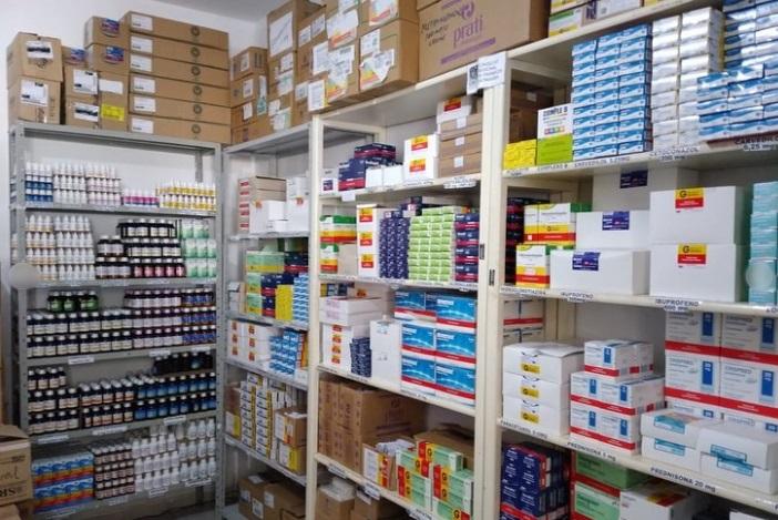 medicamentos1 - Prefeitura de Bonito de Santa Fé abastece farmácia básica e segue garantido medicamentos a população.
