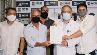 ministro da saude 390x220 - Prefeito Nabor Wanderley recebe ministro Queiroga que assina protocolo de intenções para reforço da saúde em Patos