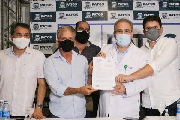 ministro da saude - Prefeito Nabor Wanderley recebe ministro Queiroga que assina protocolo de intenções para reforço da saúde em Patos
