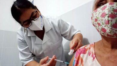 patos vacina 390x220 - Prefeitura de Patos administra segunda dose da vacina contra Covid-19 em idosos acima de 75 anos