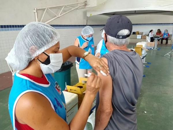vacinacaojp - Especialista do Comitê Covid João Pessoa esclarece dúvidas comuns da população sobre as vacinas contra a Covid-19