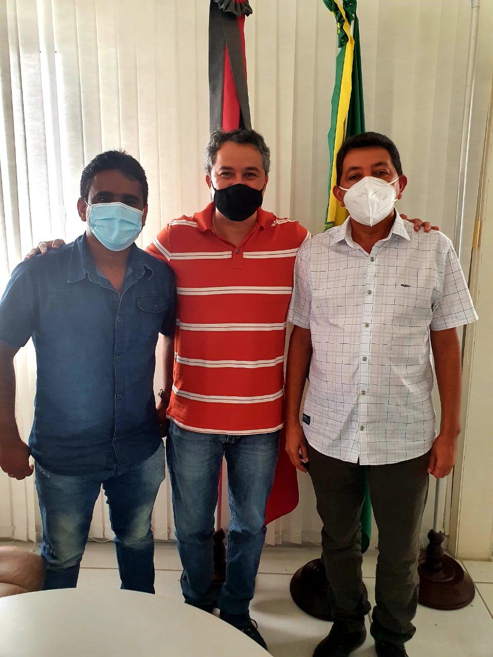 03 - REFORÇO: Efraim Filho recebe apoio de mais 03 prefeitos, chega a 83 e consolida liderança para o Senado