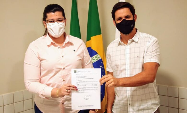 1 780x470 - A FORÇA DO TRABALHO : Prefeita de Pau dos Ferros consegue mais de R$600 Mil em emendas através do Deputado Federal Rafael Motta.