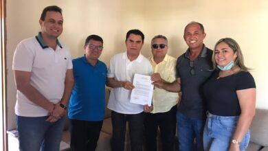 DEDE E AIRTON 390x220 - ELEIÇÕES 2022: Aírton Pires recebe apoio do ex-prefeito de Poço Dantas que se une á luta pela conquista da rodovia de Poço Dantas ao RN.