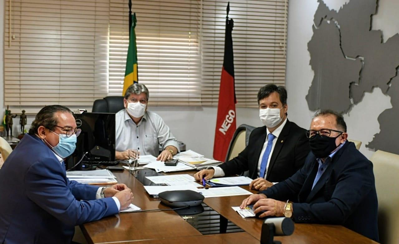 JP2 - Prefeito Ceninha Lucena se reúne com o Governador João Azevedo e o Deputado Júnior Araújo por mais benefícios para o município de Bonito de Santa Fé