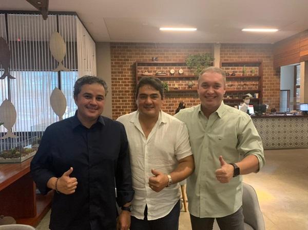 LUCAS E EFRAIM 1 - ELEIÇÕES 2022: Prefeito de Marizópolis anuncia apoio à pré-candidatura de Efraim Filho na disputa ao Senado