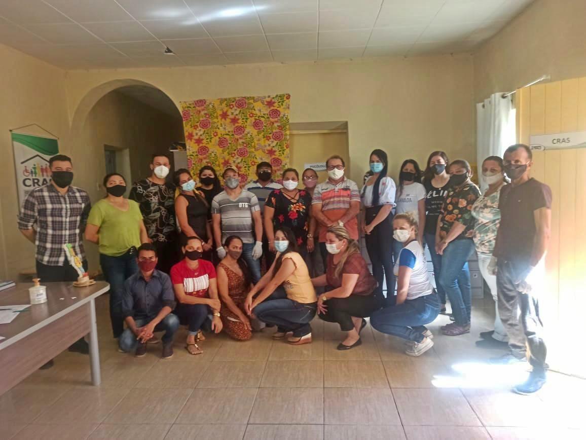 FEIRA2 - Em parceria com o governo do Estado, prefeitura de Bonito de Santa Fé distribui cestas básicas para famílias no município.