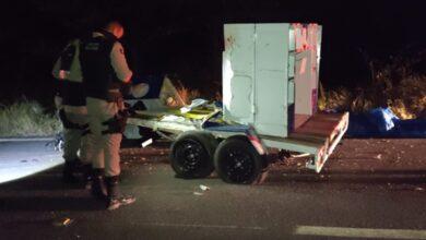acidente UNA 1 390x220 - URGENTE : Colisão entre carro e moto deixa duas vitimas fatais na BR-405, em Uiraúna.