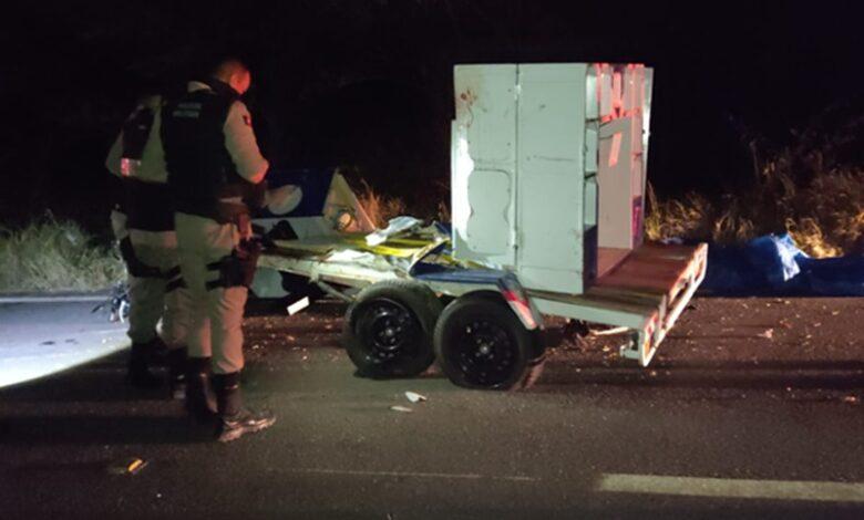 acidente UNA 1 780x470 - URGENTE : Colisão entre carro e moto deixa duas vitimas fatais na BR-405, em Uiraúna.