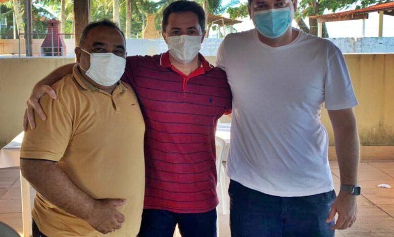 encontro 780x470 - Marcos Eron e Dr. Tarciano se reúnem com Veneziano e articulam novos recursos para Monte Horebe.