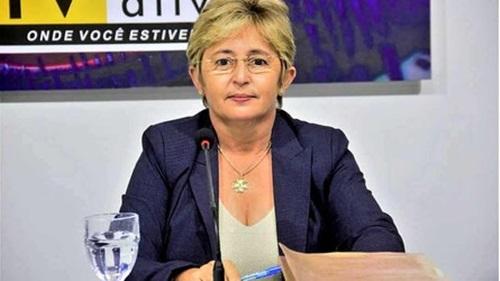 leninha - Prefeita de Uiraúna anuncia antecipação de 50% do 13º dos servidores municipais efetivos e comissionados.