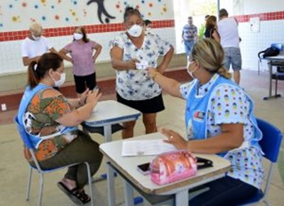 vacinajunhofinal - João Pessoa segue com aplicação da segunda dose dos imunizantes Astrazeneca e Coronavac nesta quarta-feira