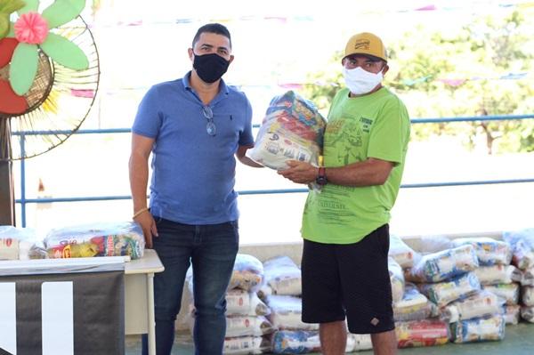 vv2 - Município de Venha-Ver comemora 29 anos de emancipação com entrega de veículos e distribuição de cestas básicas no São João solidário.