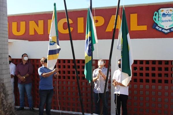 vv3 - Município de Venha-Ver comemora 29 anos de emancipação com entrega de veículos e distribuição de cestas básicas no São João solidário.