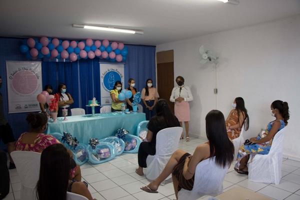 01mae - Poço José de Moura: Secretaria de Assistência Social entrega kit de enxoval para gestantes