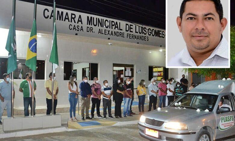 1 1 780x470 - Em Luís Gomes: Homenagens e comoção marcam o sepultamento do vereador Eclairton Fernandes vítima da Covid-19 aos 35 anos.