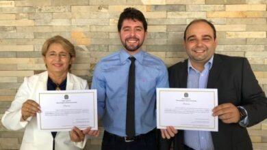 LENINHA E MARLON 390x220 - Justiça acolhe recurso da defesa da Prefeita Leninha de Uiraúna e derruba multa de R$ 50 mil da campanha