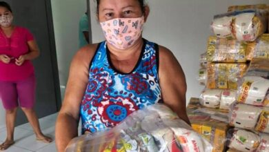 feiras 390x220 - Prefeitura de Lastro realiza distribuição de cestas básicas as famílias carentes do município