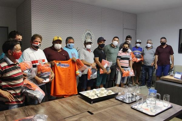 gari1 - NO RN: Prefeitura de Venha-Ver entrega novos uniformes aos agentes de limpeza pública