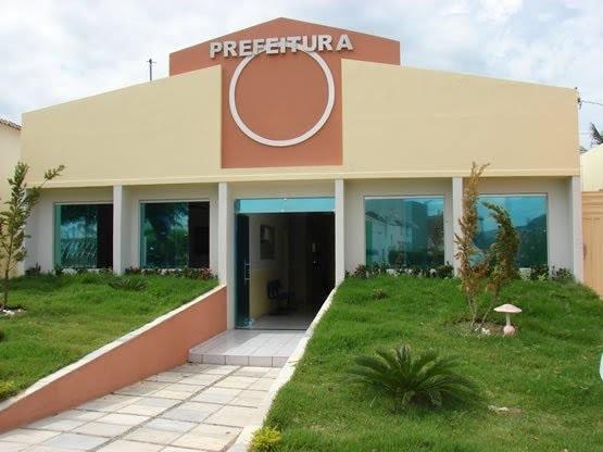 paco - COMPROMISSO: Prefeitura de Triunfo realiza pagamento da primeira parcela do 13º salário dos servidores e injeta mais de R$ 260 mil na economia local